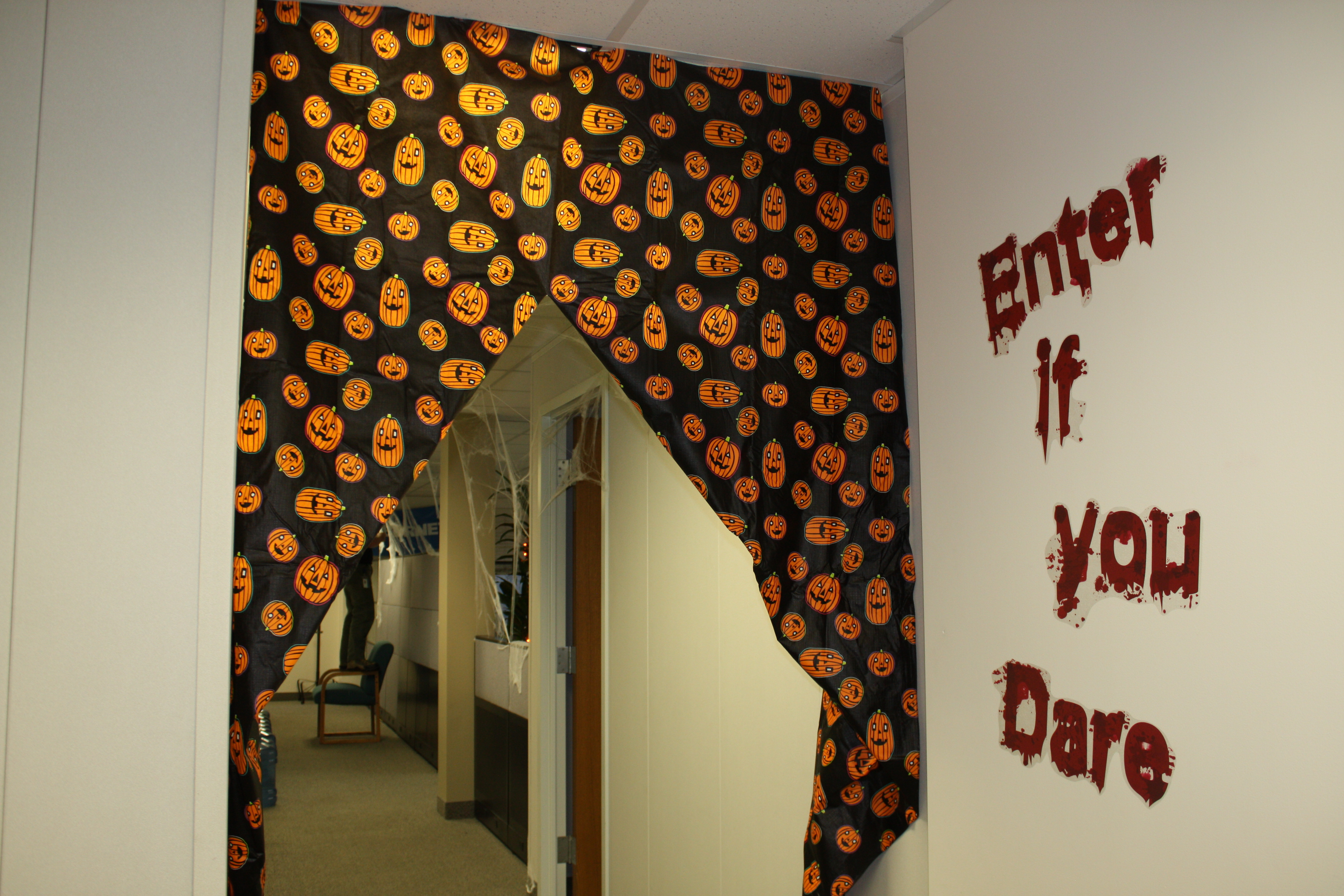 office halloween decor. How To Decorate Your Office For About $20 This Halloween Decor